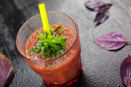 cucumbers: Healthy domestic tomato juice