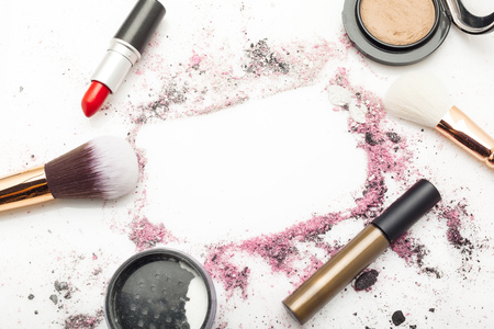 brush and powder 版權商用圖片