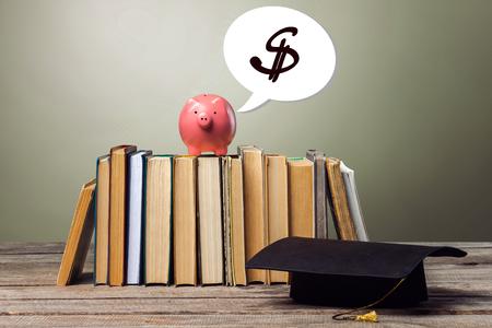 School blackboard with pile of books 版權商用圖片