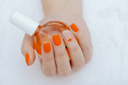 Oil treatment in manicure 免版税图像 - 108973206
