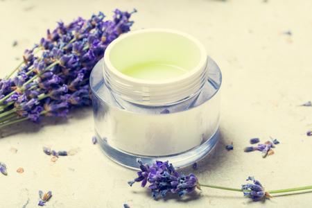 natural facial cream with lavender 版權商用圖片