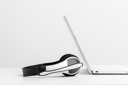 headset and computer laptop, call center support