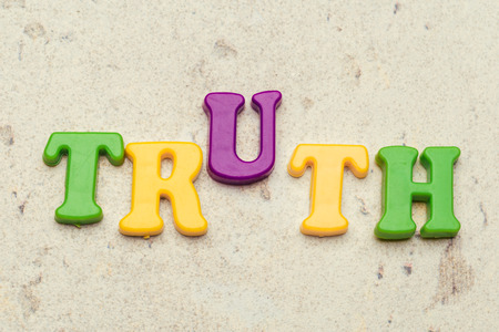 truth word concept in plastic colorful letters 版權商用圖片