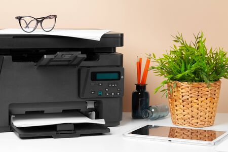 Printer copier scanner in office. Workplace. Standard-Bild