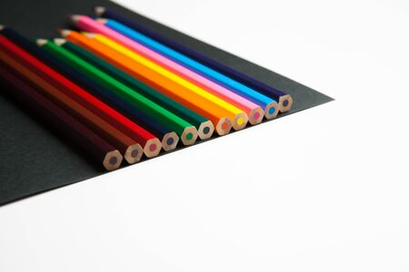 The difference between black and white color pencils