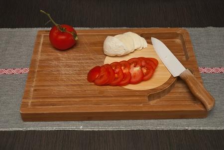 ceramica: Preparation of a caprese salad