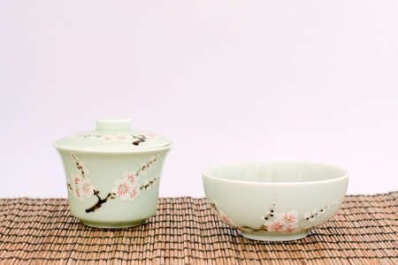 China tea cup and tea bowl with hand made artistic decoration