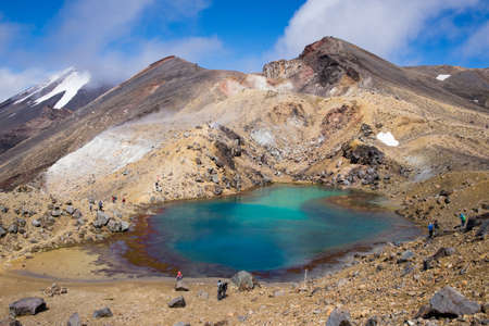 Emerald Lake and the Red Crater on the Tongariro Alpine Crossing in New Zealand