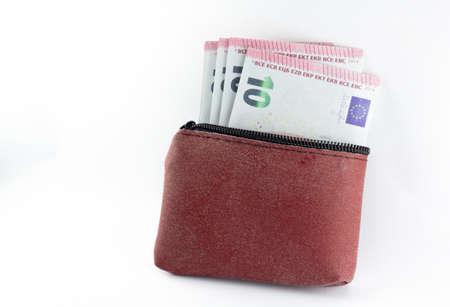 Euro-Banknoten, unverzichtbare Brieftasche mit weißem Hintergrund Standard-Bild