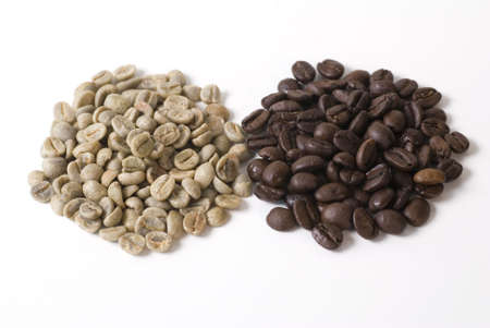 unroasted: roasted and unroasted coffee Stock Photo