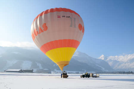 ZELL AM SEE, AUSTRIA - JAN 26: BP Gas Balloon Trophy 2010. 47 Balloon pilotes of seven nations starting for the international balloon trophy on January 26 2010 in Zell am See, Austria. Stock Photo - 9272094