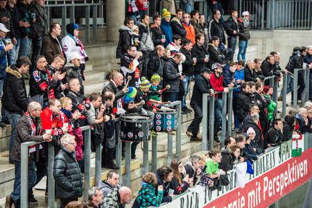 ungarn: 28.12.2012, Tiroler Wasserkraft Arena, Innsbruck, AUT, EBEL, HC TWK Innsbruck vs SAPA Fehervar AV19, 35. Runde, im Bild Fanclub des HCI  during the Erste Bank Icehockey League 35th Round match between HC TWK Innsbruck and SAPA Fehervar AV19 at the Tirol