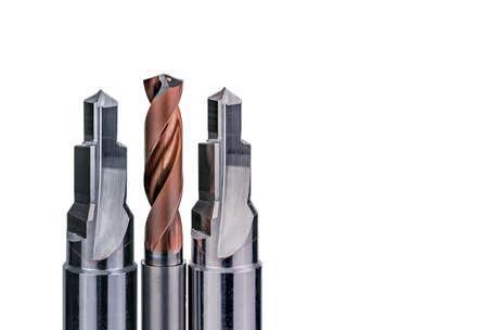 Spezialwerkzeuge isoliert auf weißem Hintergrund. Sonderwerkzeuge auf Bestellung gefertigt. Beschichtetes Stufenbohrer- und Reibahlendetail. HSS-Hartmetall. Hartmetall-Schneidwerkzeug für industrielle Anwendungen. Engineering-Tools. Standard-Bild