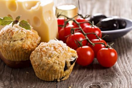 savoury: Пикантные кексы с сыром пармезан и оливками