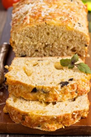 savoury: Пикантный хлеб торт с сыром и оливками