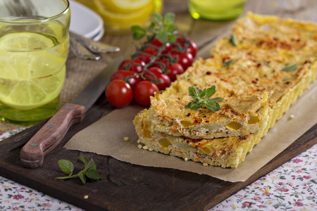 Quiche with tofu and vegetables, and millet crust