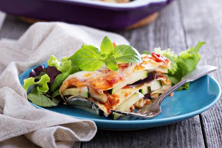 호박, 토마토와 가지와 야채 라자냐 스톡 콘텐츠