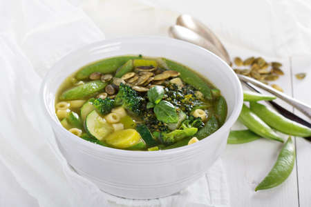 minestrone: Green minestrone with vegetables