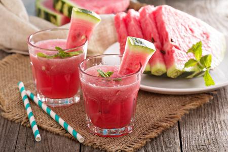 Watermelon Drink in Gläsern Standard-Bild - 36801122