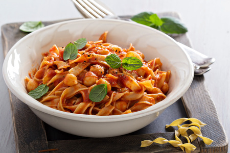 pasta: Pasta with tomato sauce and chickpeas