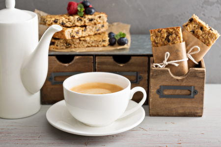 Granola bars with coffee for breakfast to go Stok Fotoğraf - 51701542