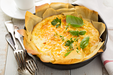 filo pastry: Cheese and ham quiche with filo pastry