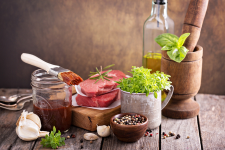 potherbs: Herbs, spices and sauces for meat grilling