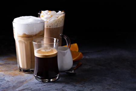 Latte caffè, espresso nero e caffè viennese