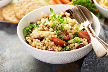 Pearl couscous salad with fresh vegetables Zdjęcie Seryjne