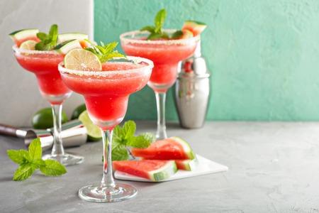 여름 수박 마가리타를 석회로 상쾌하게합니다.