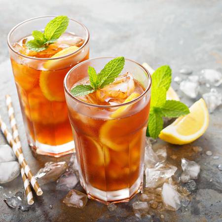 Traditional iced tea with lemon Foto de archivo
