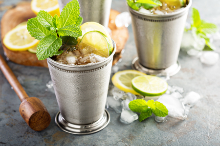 Classic mint julep cocktail 스톡 콘텐츠