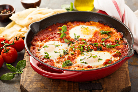 Shakshuka with chickpeas in a skillet Stockfoto