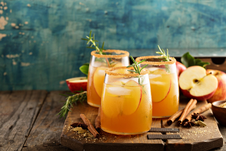 Hard apple cider cocktail with fall spices Stock Photo - 84319878
