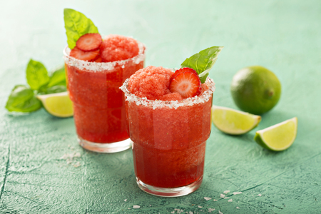 Frozen strawberry lime margarita