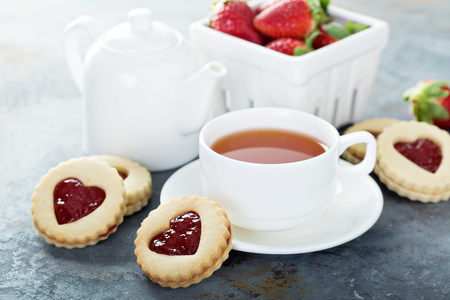 Vanilla cookies with strawberry filling