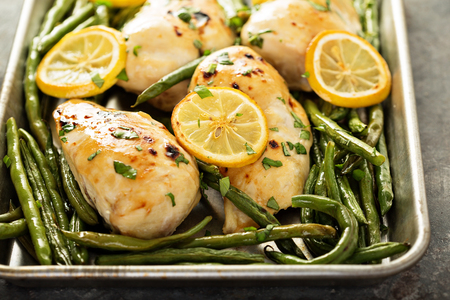 Roasted chicken breast with lemon and green beans