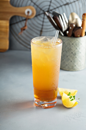 Arnold palmer cocktail with sweet tea and lemonade