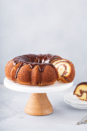 Vanilla bundt cake with cheesecake filling 스톡 콘텐츠