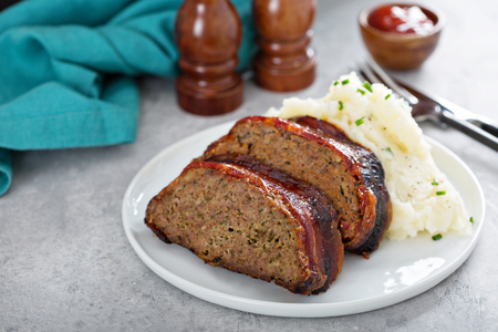 Pastel de carne con puré de patatas
