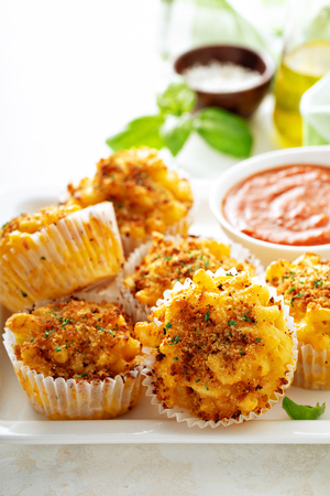 Baked mac and cheese muffins 写真素材