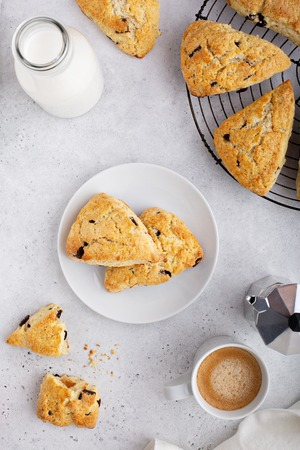 Homemade chocolate chip scones Stockfoto