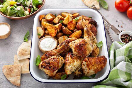 Pollo asado y patatas
