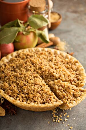 Traditional apple pie with crumb topping Banco de Imagens