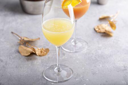 Refreshing mimosas with orange juice for brunch Archivio Fotografico