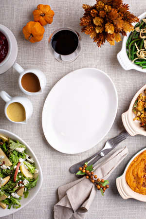 Traditional Thanksgiving table with sides 版權商用圖片