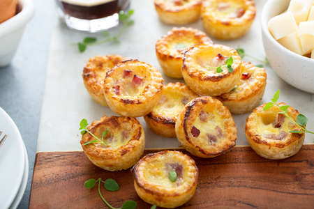 Mini ham and cheese quiches for breakfast