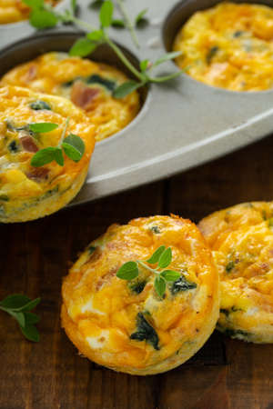 Healthy spinach and bacon low carb egg muffins