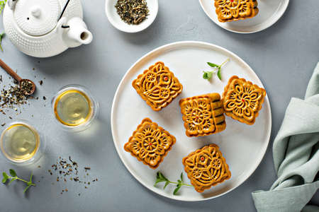 Mooncakes for the Chinese mid Autumn festival Standard-Bild