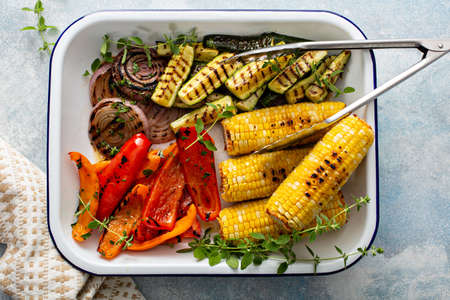 Grilled summer vegetables on a tray, just cooked and ready to eat 版權商用圖片